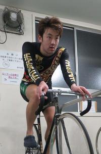 岩谷拓磨が連日逃げ、自信つけてV取りに意欲/松戸 - ミッドナイト競輪 : 日刊スポーツ