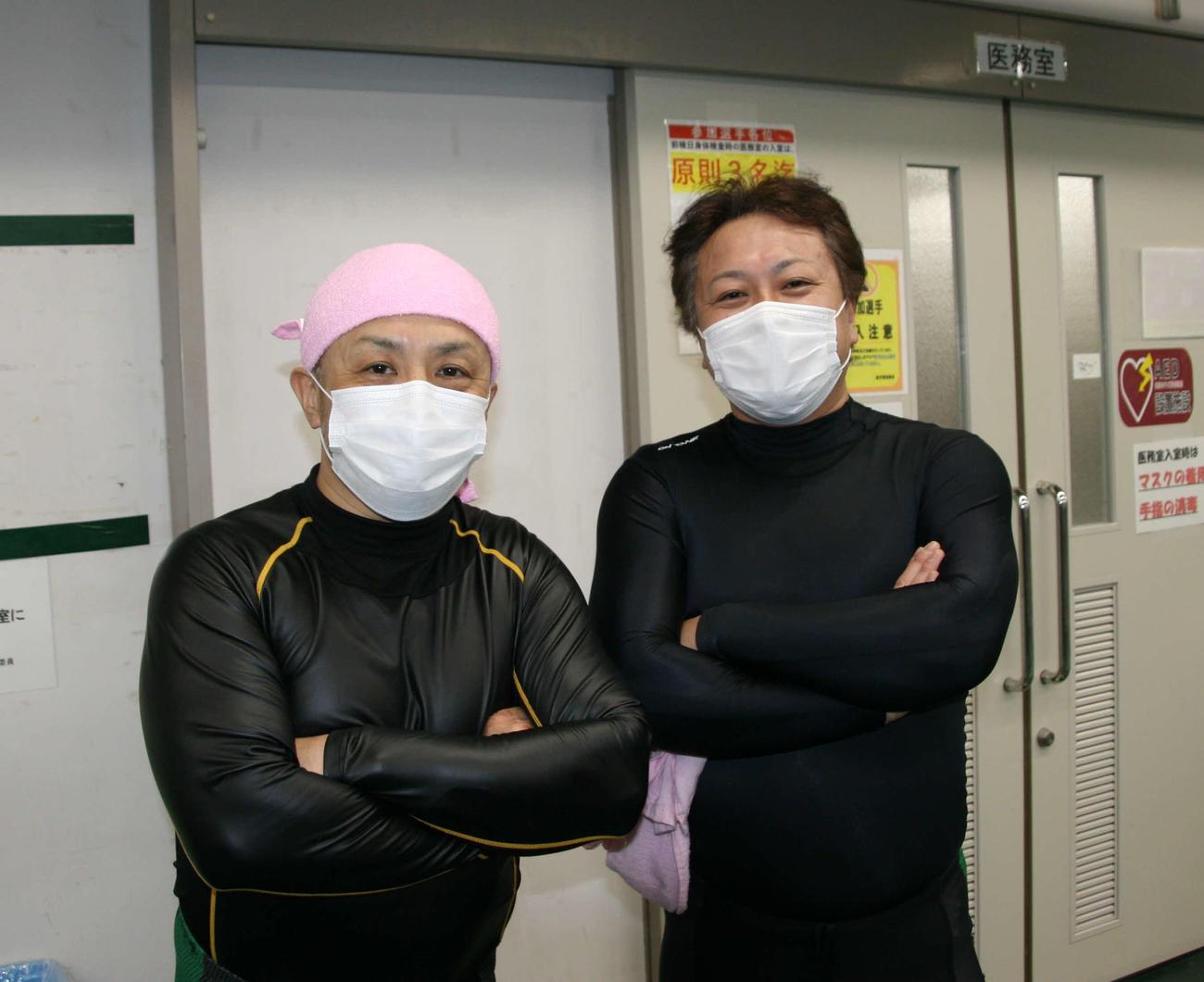 足して103歳!原司(右)と柴田了のベテランコンビが決勝進出(撮影・秋山正則)