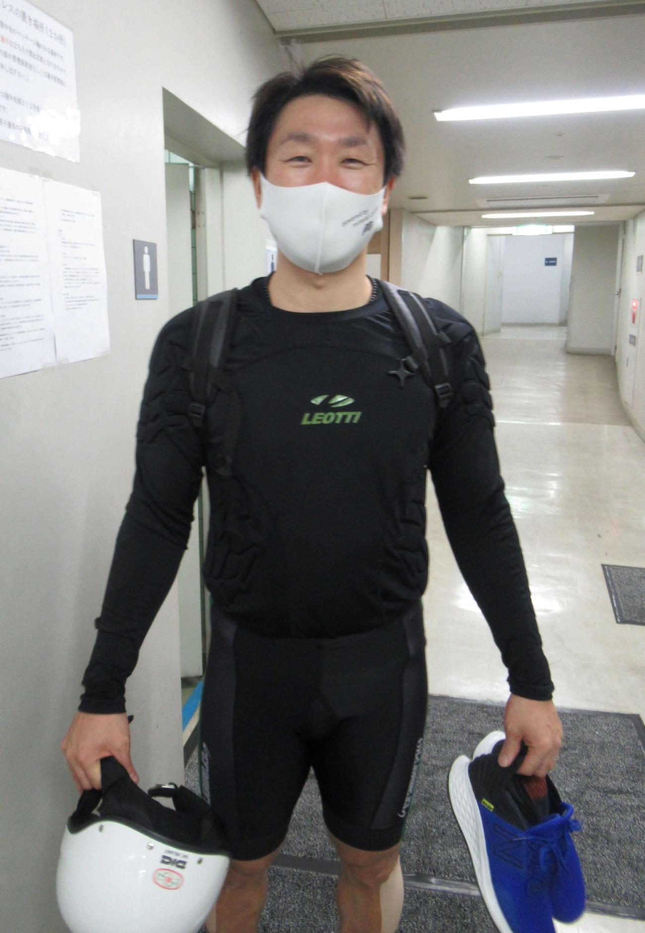 石川裕二が岸沢賢太を目標に差し切りVを狙う(撮影・山田敏明)