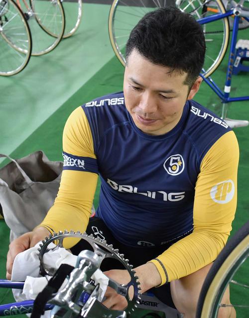 G3初勝利を挙げた小森貴大は2予に向け入念に自転車を整備