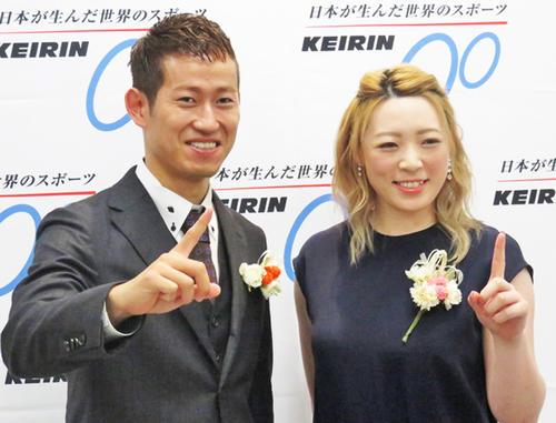 初のファン投票1位に選出された脇本雄太(左)と、ガールズ3年連続1位の児玉碧衣