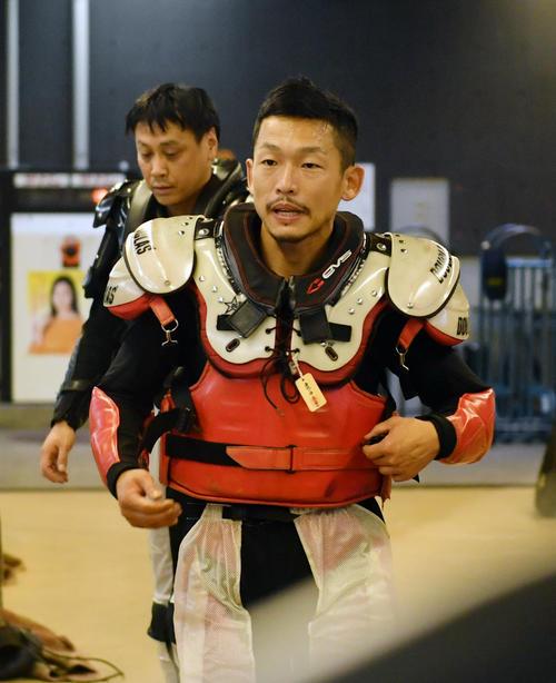初日6R予選で3着の中村雅人(撮影・柴田隆二)