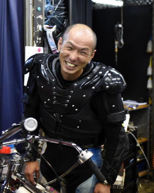 準々決勝6Rで1着の西原智昭は笑顔を見せる(撮影・柴田隆二)