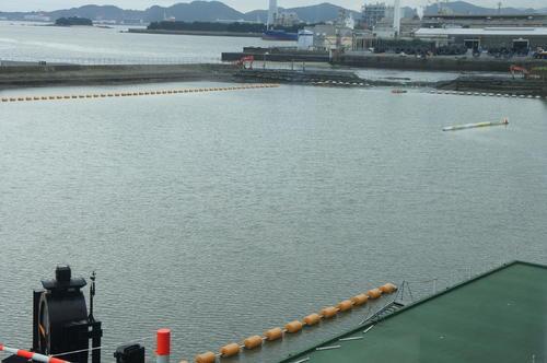 1M奥の護岸施設が破損したため、下関ボートは29日のレースが中止となった