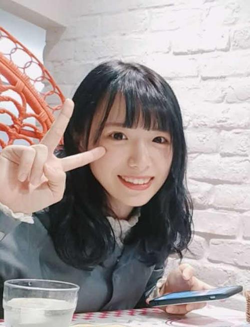 笑顔を見せる石井菜摘さん