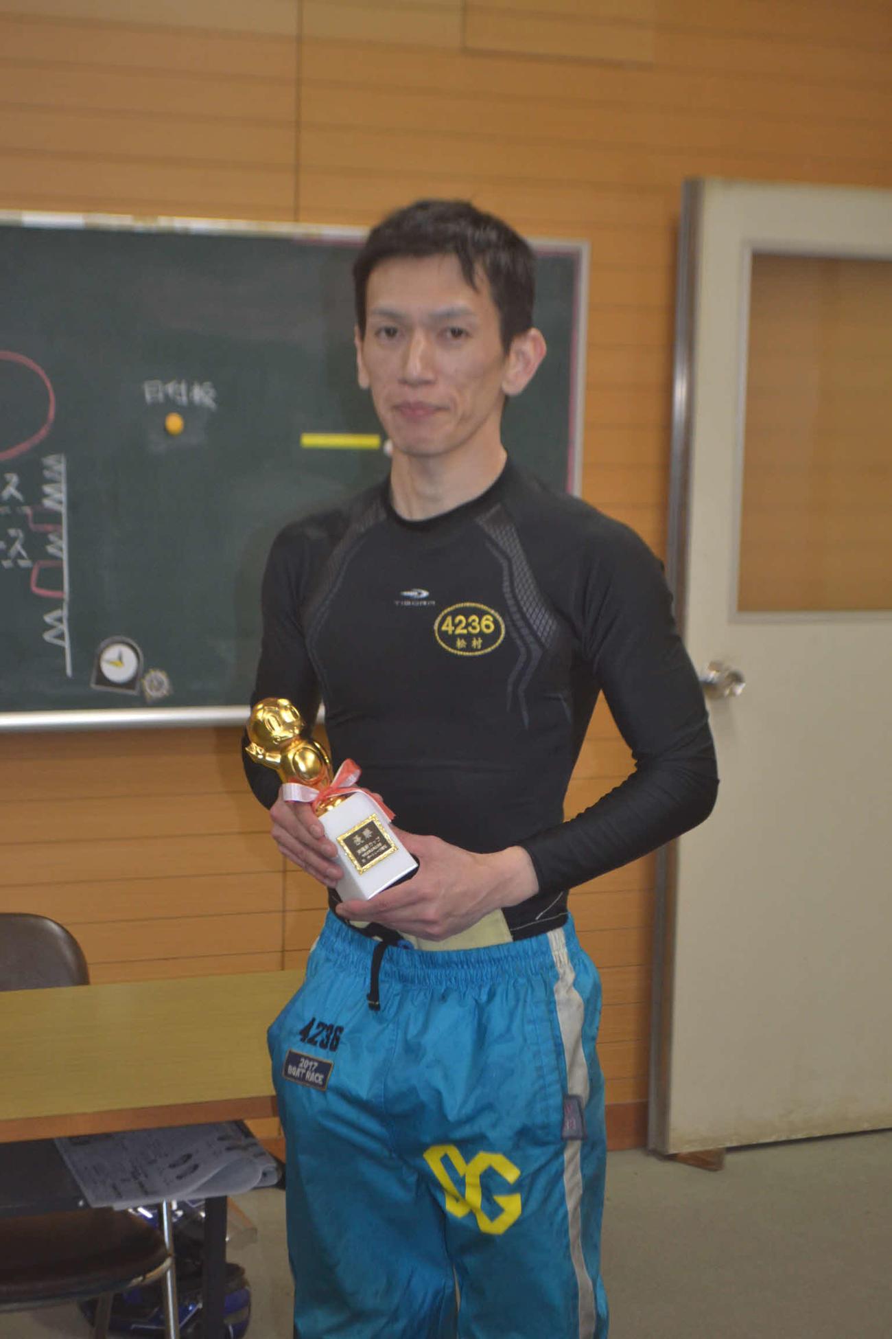 松村敏が何とかインを奪取して逃げ切り、今年2度目の優勝を決めた