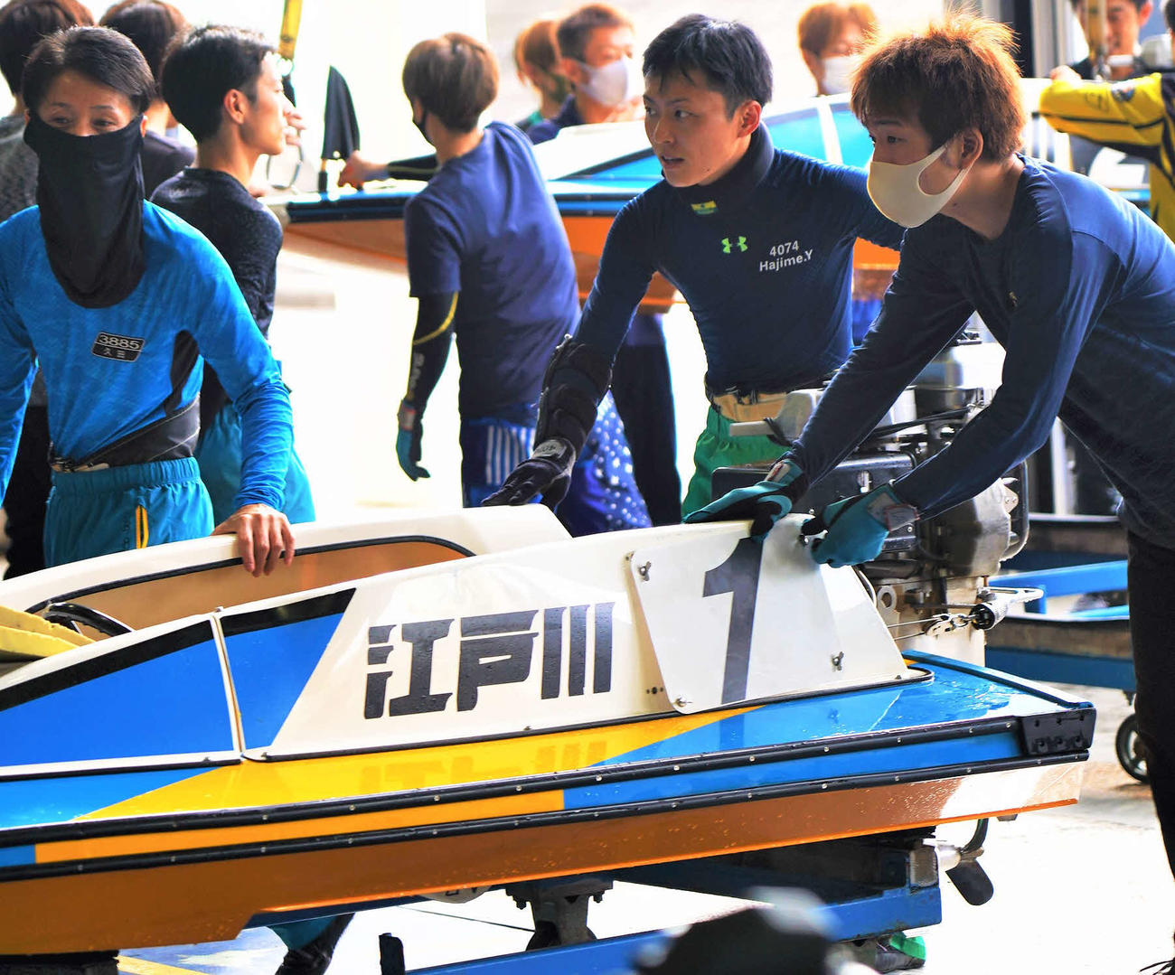 柳沢一(右から2人目)が江戸川4度目の優勝を狙う