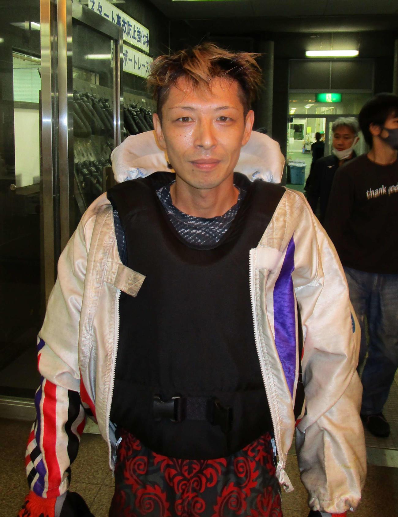 初日連勝を飾った西野翔太(撮影・安井雅彦)