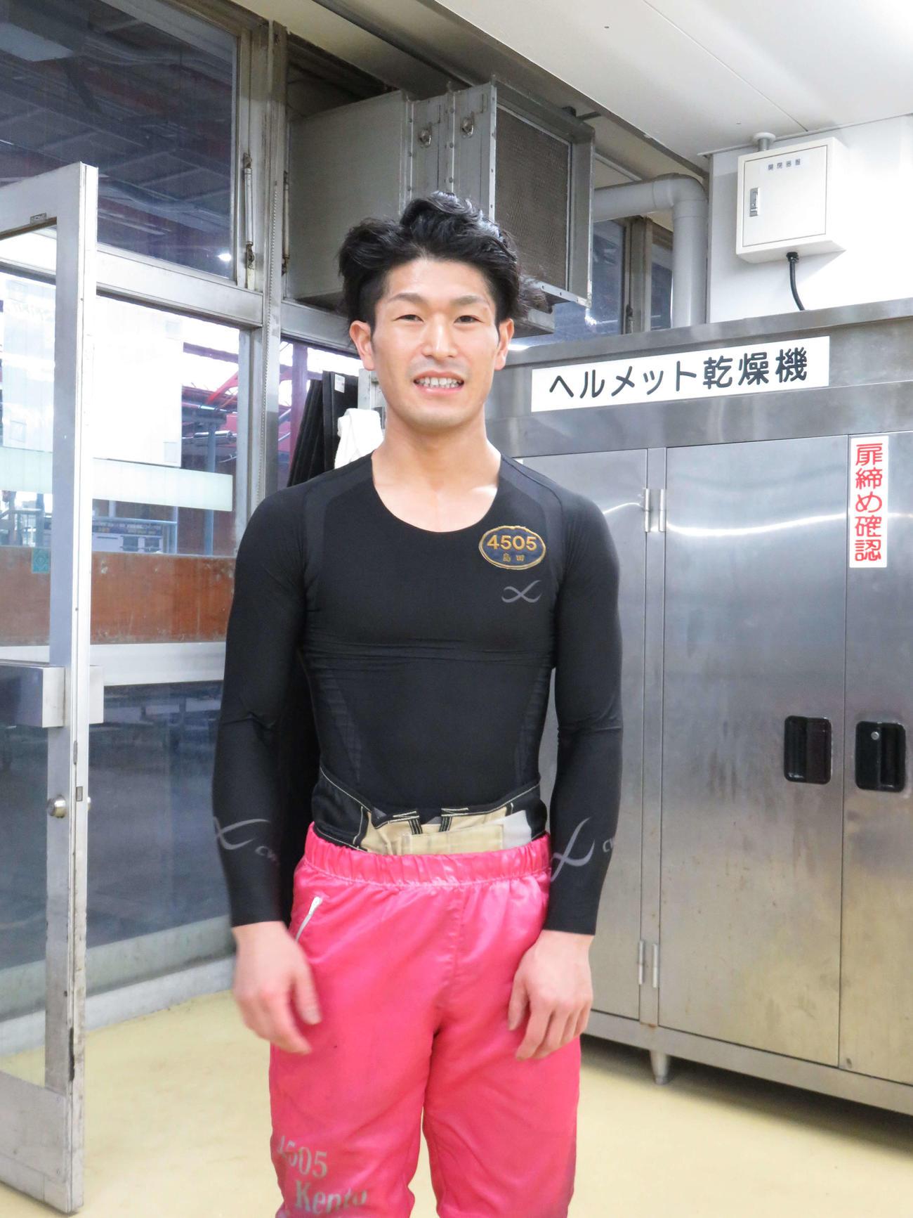 格上の内枠相手に勝機を探る島田賢人(撮影・窪寺伸行)