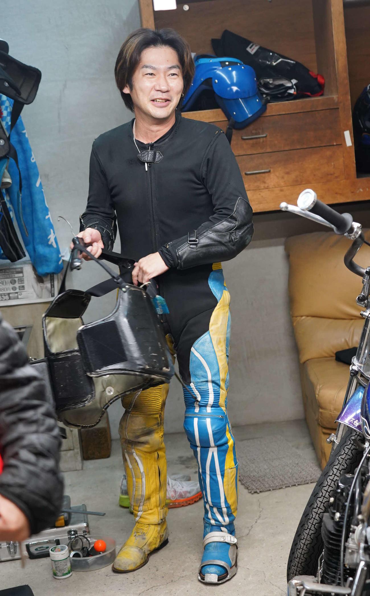加賀谷建明が湿走路の準決勝戦12Rをぶっちぎりで1着し満面の笑み
