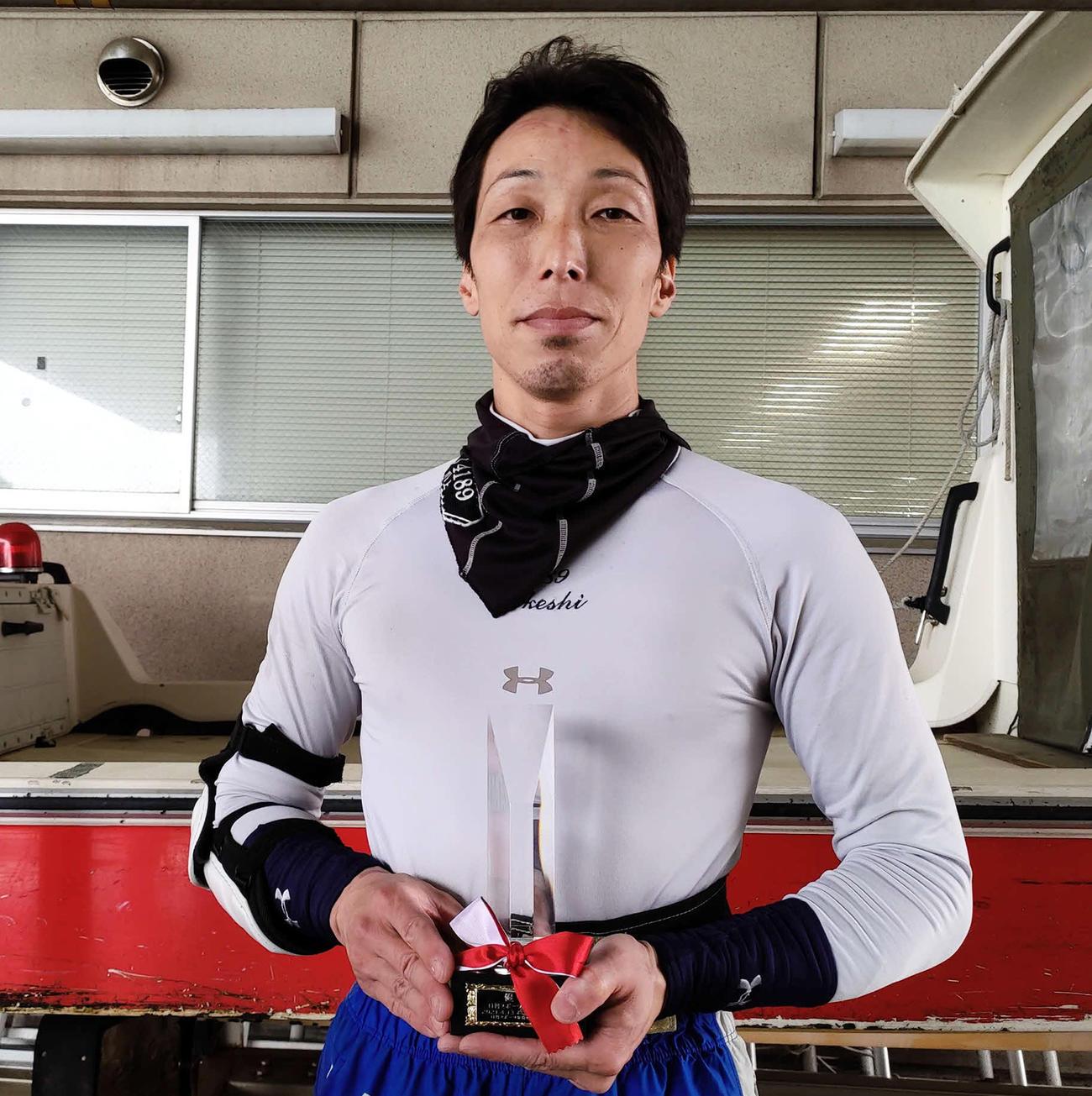 川上剛が3年9カ月ぶりの優勝を飾った(撮影・渕上知)