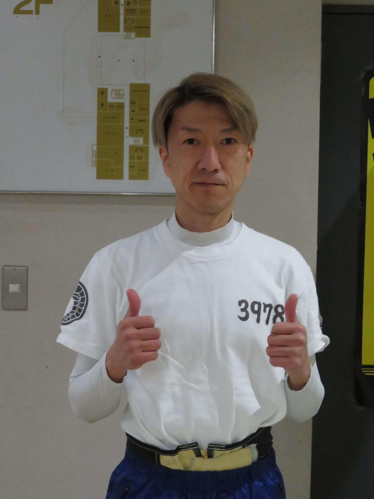 初日12Rで通算1500勝を達成した斉藤仁(撮影・湯田坂賢一)