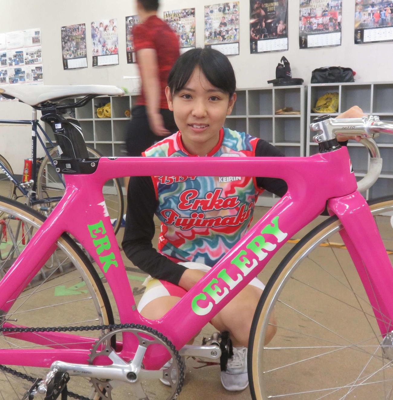 以前の自転車に戻して復調のきっかけをつかみたい藤巻絵里佳(撮影・栗田文人)
