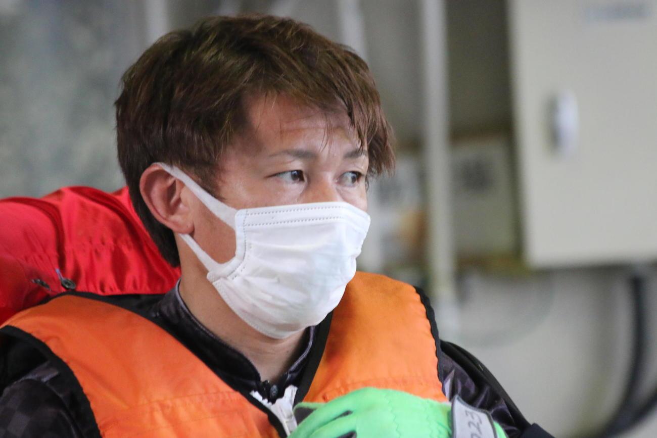 パワフル38号機を手にした柴田友和は、前検一番時計の6秒83をマークした