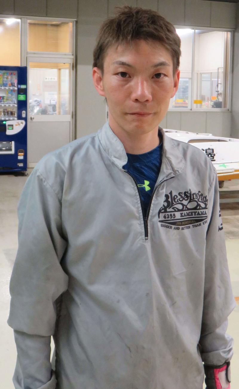 亀山雅幸が初弟子迎える プロの流儀指南/桐生