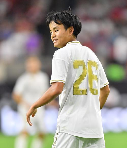 サッカー 久保 選手