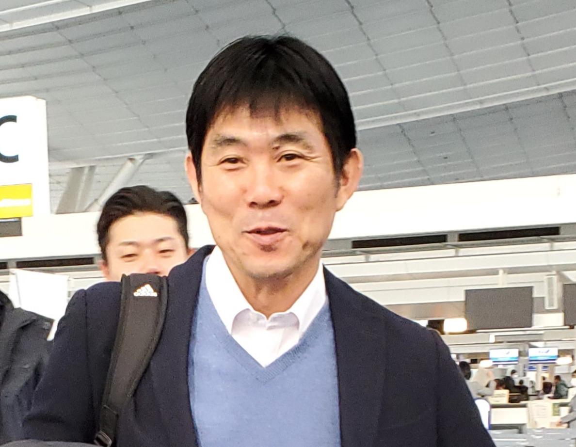 7日、欧州視察出発前に取材に応じる日本代表の森保監督