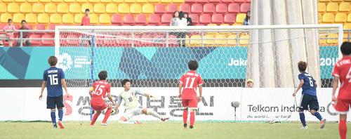 準々決勝 日本対北朝鮮 後半、PKを決められる日本(撮影・鈴木みどり)