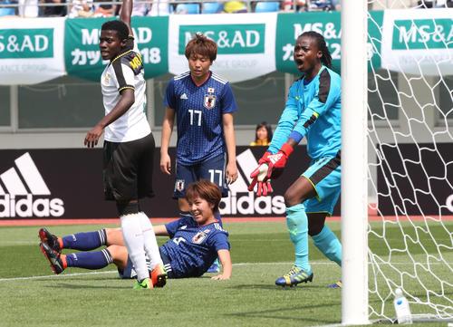 日本女子代表対ガーナ女子代表 FW岩渕真奈は勝ち越しゴールを決め笑顔(撮影・梅根麻紀)