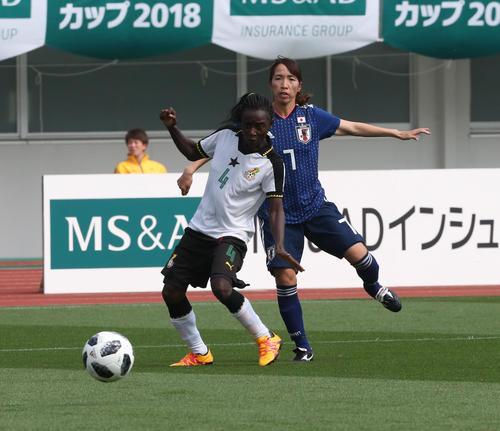 日本女子代表対ガーナ女子代表 MF中島依美は4点目のゴールを決める(撮影・梅根麻紀)