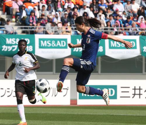 日本女子代表対ガーナ女子代表 DF鮫島彩は7点目のゴールを決める(撮影・梅根麻紀)
