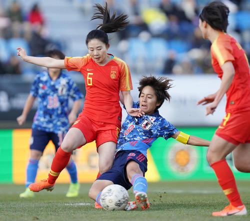 東アジアE-1選手権 中国対日本 前半、岩渕は先制のゴールを決める(撮影・加藤諒)