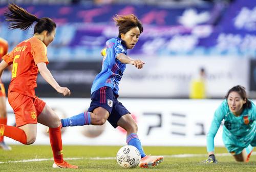 東アジアE-1選手権 中国対日本 後半、岩渕はハットトリックを達成する(撮影・加藤諒)