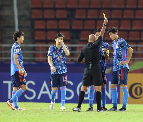 U-23日本対U-23シリア 前半、町田浩樹はイエローカード受ける(撮影・前田充)