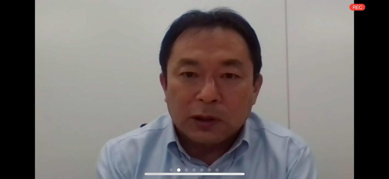 ウェブで会見を開いた日本サッカー協会の反町康治技術委員長