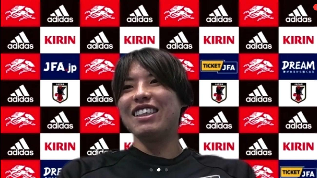 オンライン取材に応じる、なでしこジャパンDF熊谷紗希