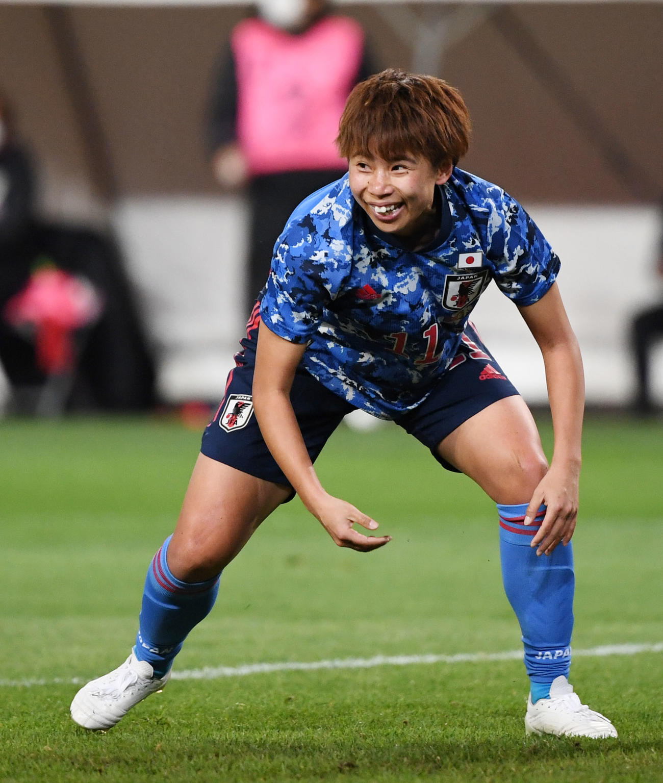 日本対パラグアイ 後半、ゴールを決め笑顔を見せる田中(撮影・横山健太)