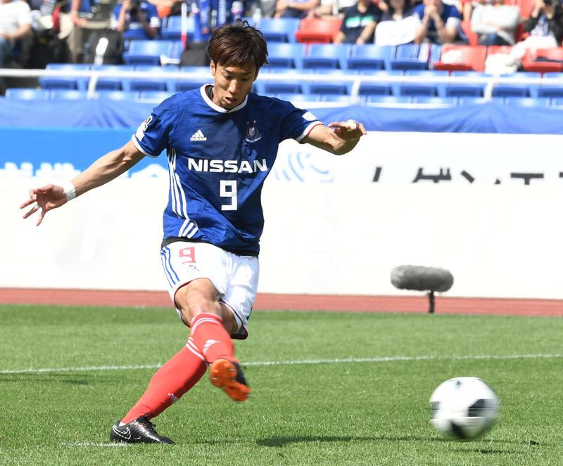 nikkansport.com @ mobile横浜快勝FW仲川プロ初1試合2発/横-長15節