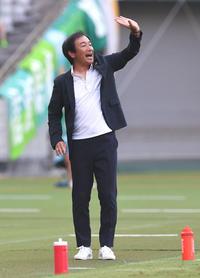 山口15試合ぶり勝利、初出場初先発DF楠本が初得点 - J2 : 日刊スポーツ