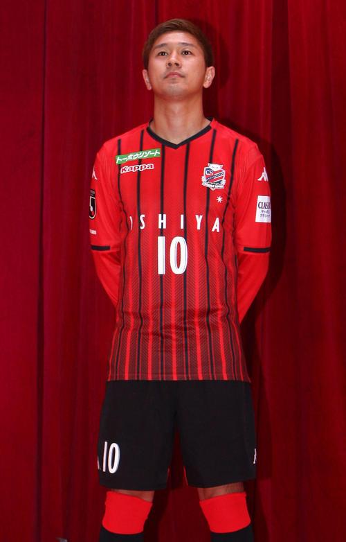 https://www.nikkansports.com/soccer/news/img/201901120000915-w500_0.jpg