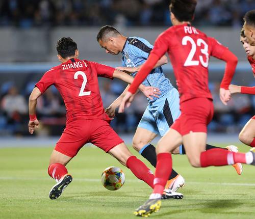 川崎F対上海上港 前半、同点ゴールを決める川崎F・FWレアンドロ(撮影・河野匠)