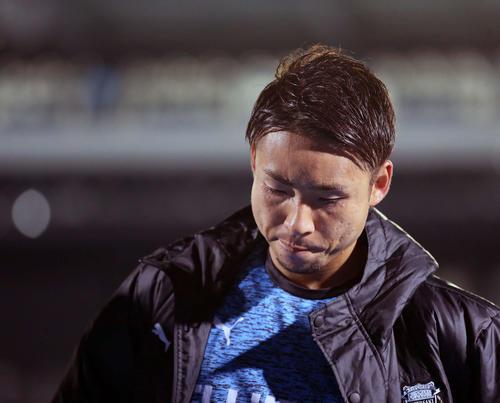 川崎F対上海上港 引き分けに終わり、険しい表情を見せる川崎F・FW小林(撮影・河野匠)