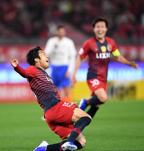 鹿島対山東魯能 後半、ゴールを決め喜びを爆発させる鹿島FW伊藤(撮影・横山健太)