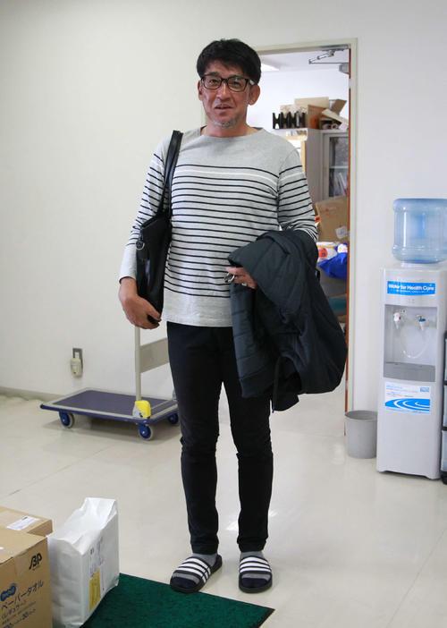 移動準備のため帰路を急ぐ吉永監督