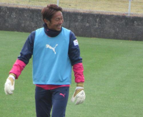 笑顔で今季最後の練習に臨むC大阪MF清武(撮影・実藤健一)