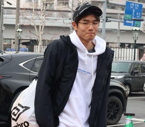 札幌からホンダFCに期限付き移籍中のDF中村は契約更改面談に臨んだ(撮影・保坂果那)