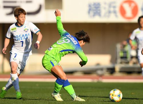 湘南対徳島 後半19分、ゴールを決める湘南FW松田(撮影・横山健太)
