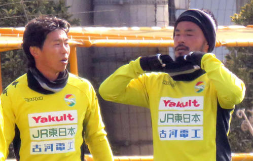 千葉FW佐藤寿人(左)と兄のMF佐藤勇人(19年1月撮影)