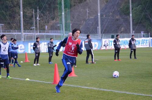横浜FCの和歌山合宿初日でフィジカルテストに臨んだMF中村