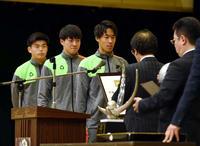 準V青森山田「悔しさ伝えて」ニューチーム3冠宣言 - サッカー : 日刊スポーツ