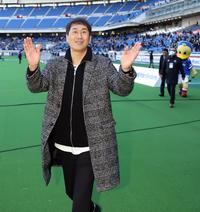 膵臓がん明かした横浜OB柳想鉄氏が感謝の来日 - J1 : 日刊スポーツ