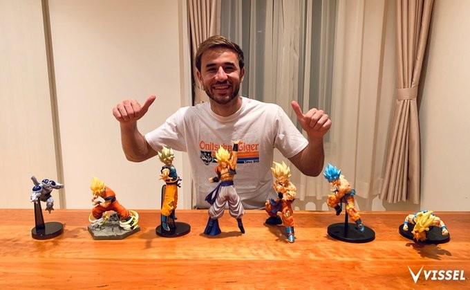 趣味のドラゴンボールのフィギュアを公開した神戸MFサンペール(C)VISSEL KOBE