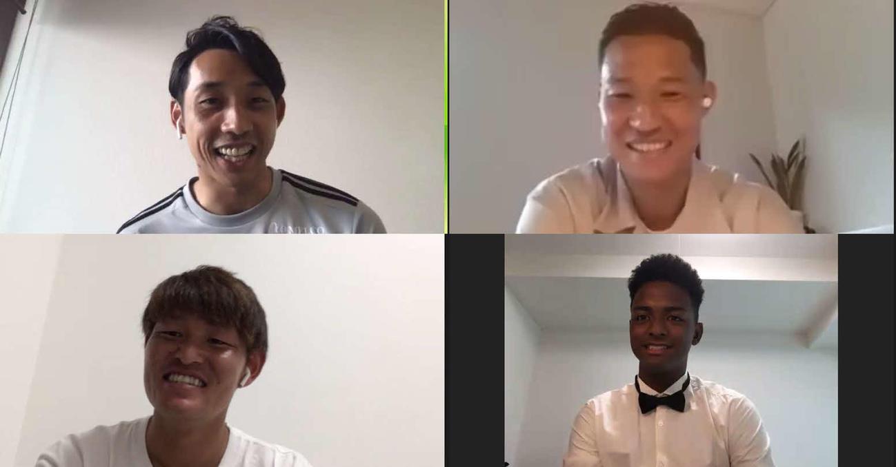 オンライントークショーに出演した横浜の選手たち(C)Y.F.M
