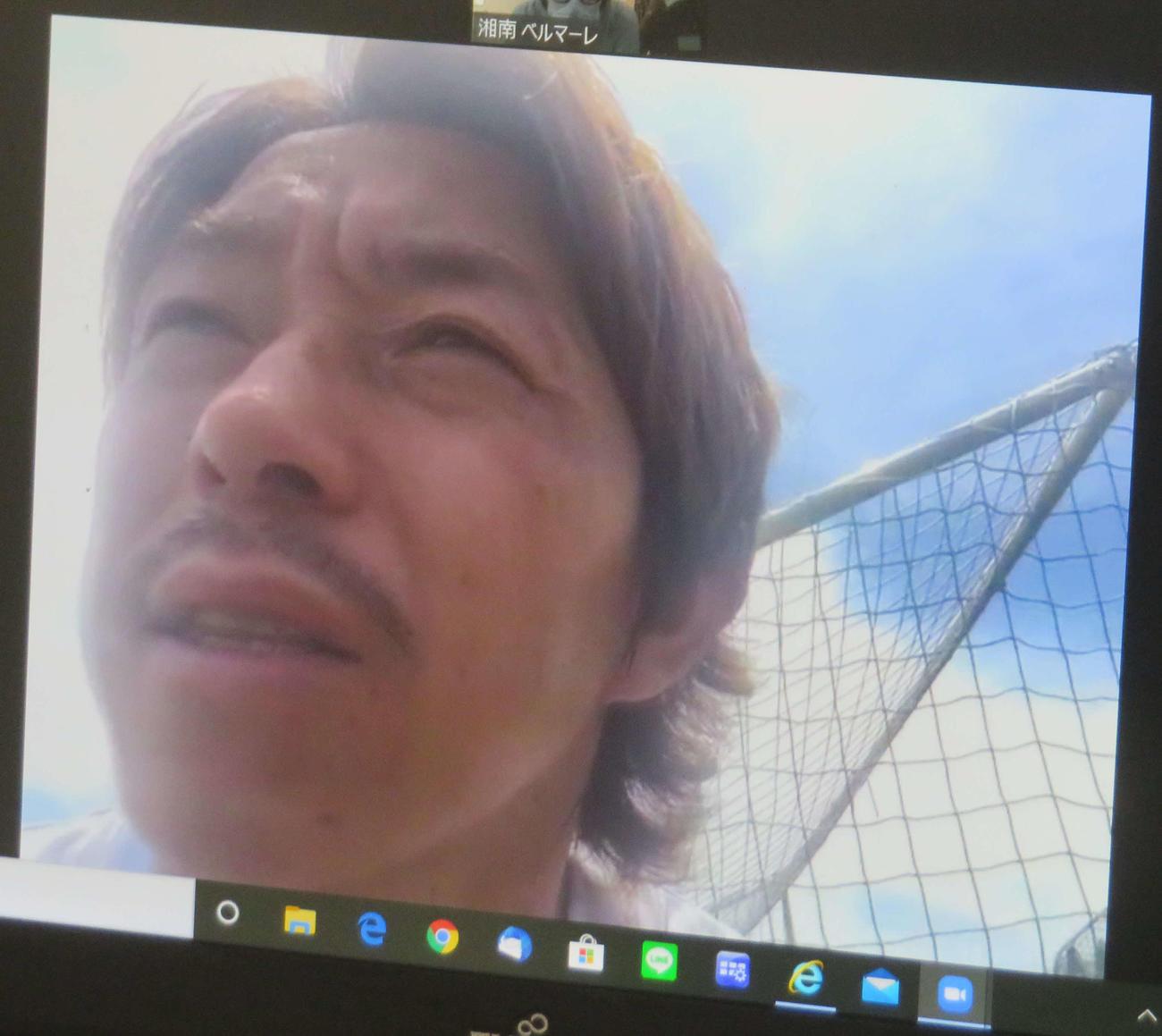 練習後、オンラインで報道陣に対応した湘南FW石原直