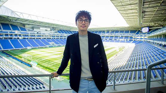 G大阪のスタジアムDJを努める仙石氏(C)GAMBA OSAKA