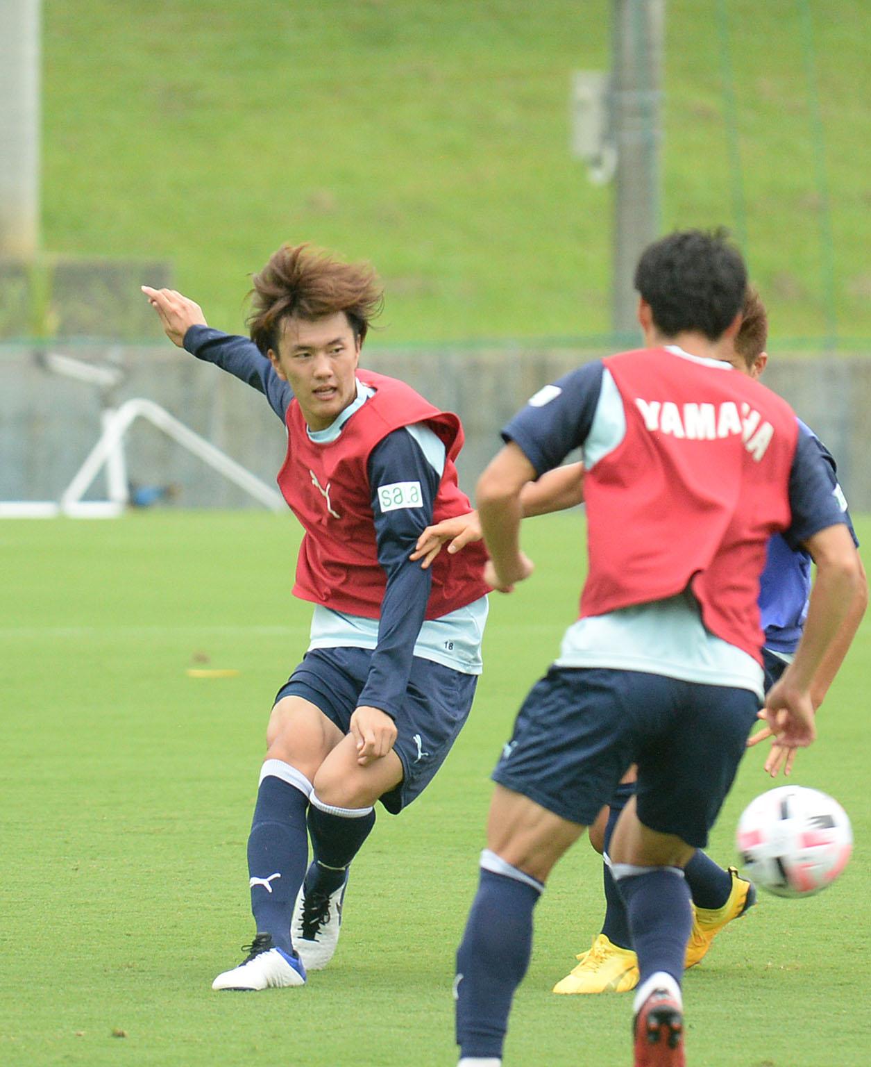 実戦形式でキレのある動きを見せる磐田FW小川航